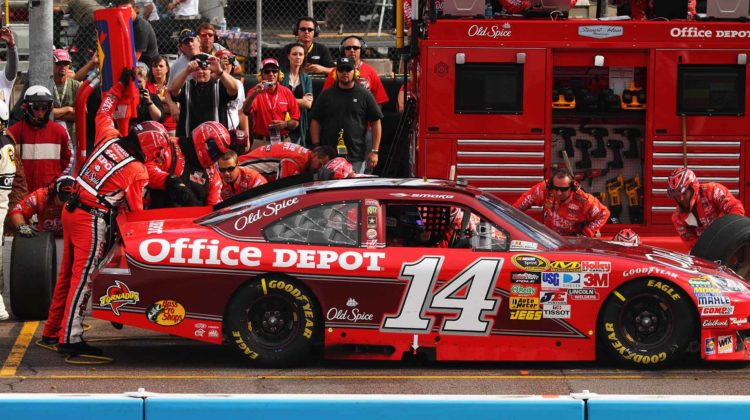 How Much Does It Cost to Sponsor a NASCAR Racing Team – Prices