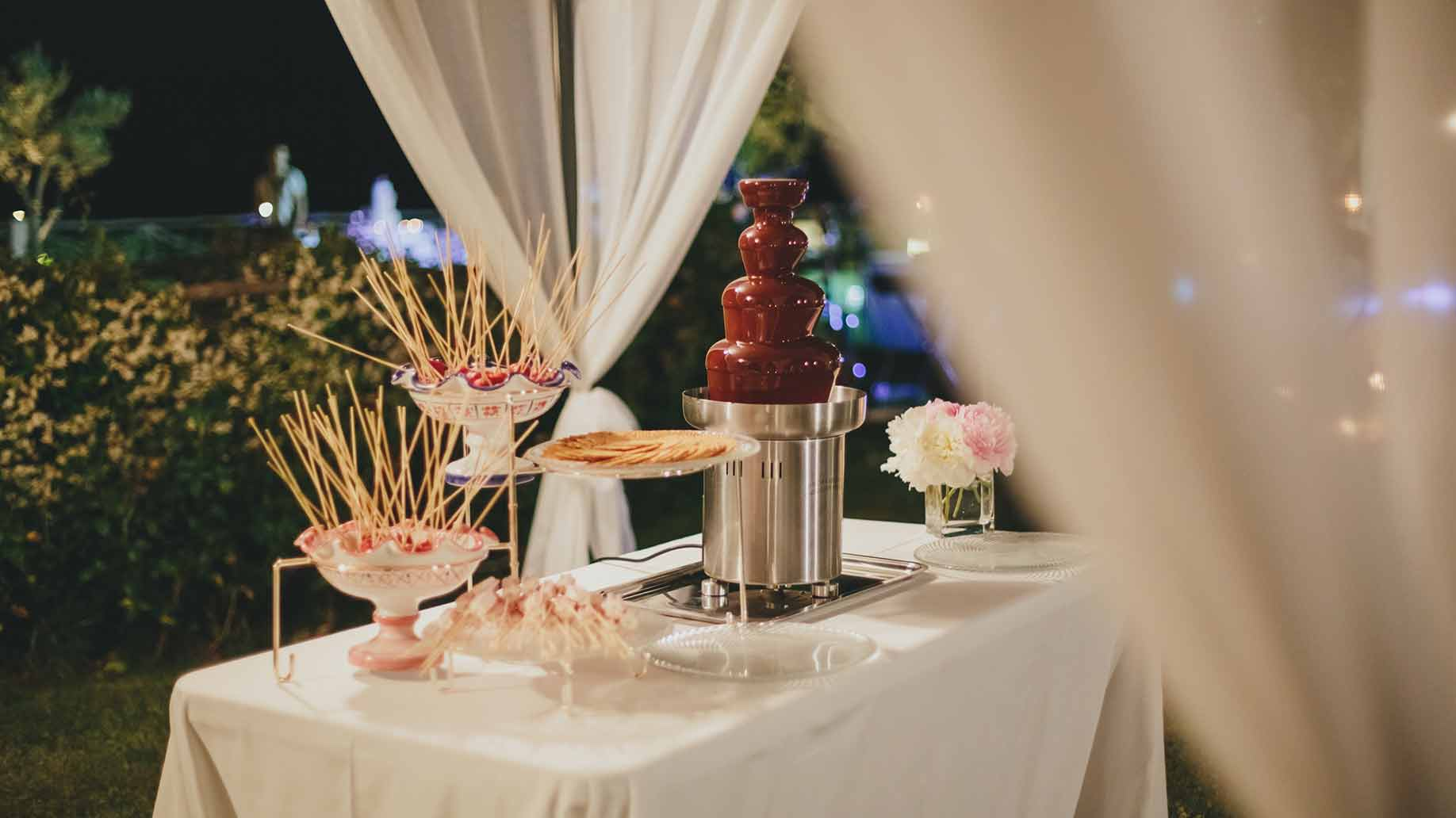 wedding chocolate fountain fondue
