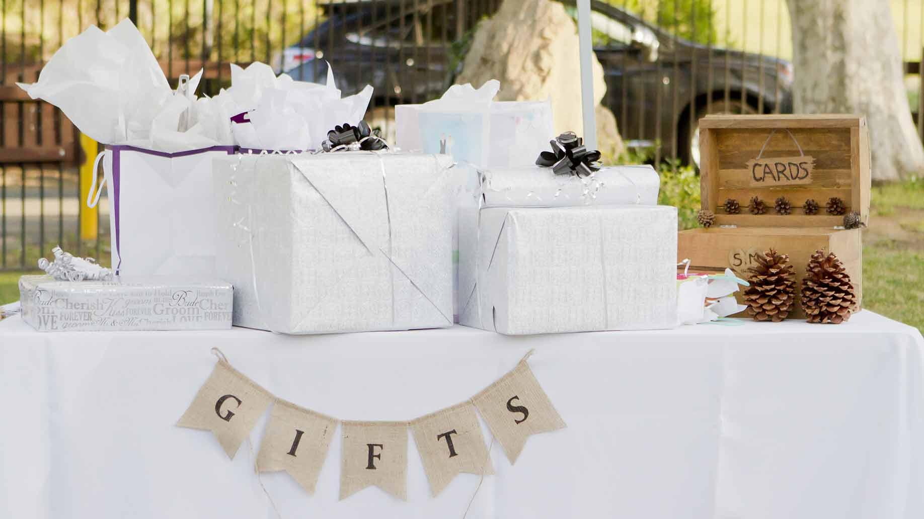 wedding gifts table