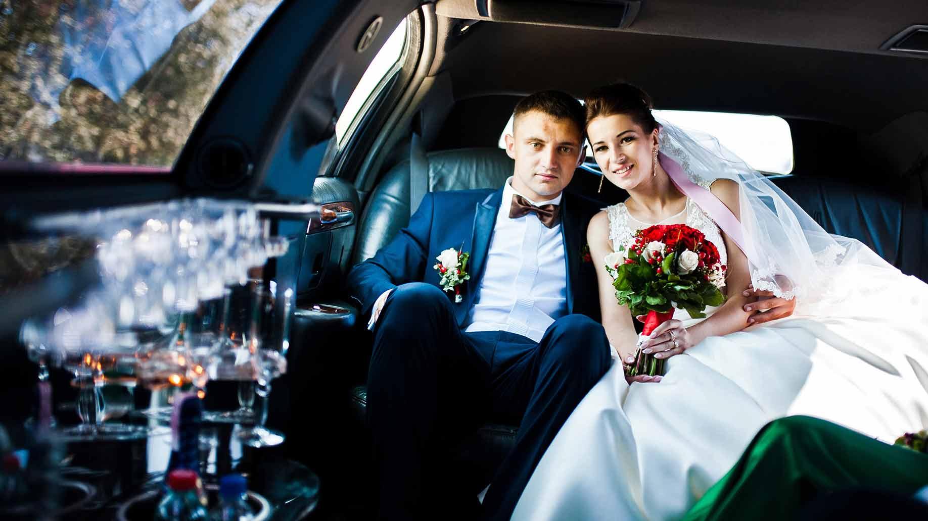 wedding limo couple